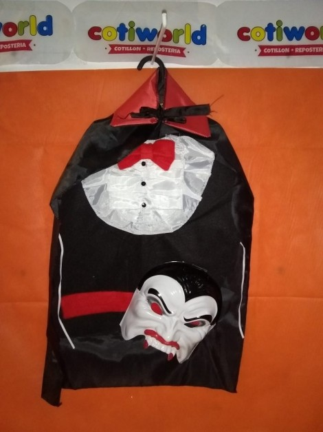 Set de Dracula con capa, chaleco y mascara